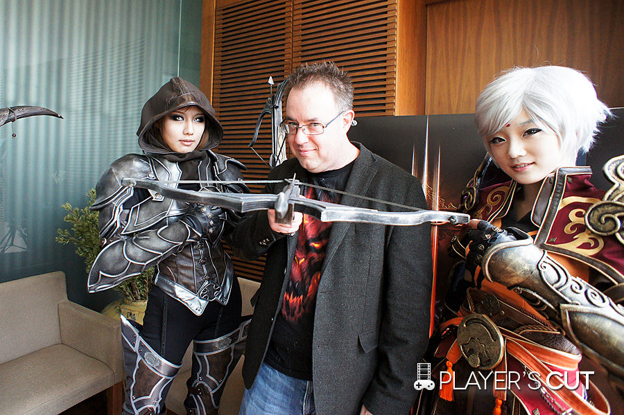 Jay Wilson & cosplayers from Korea